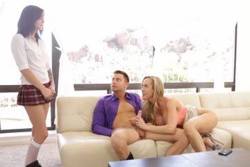 MILF hármas szex videók