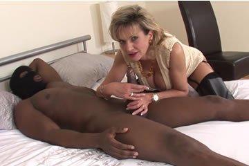 MILF interracial szex videók